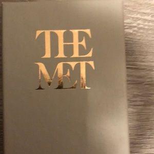Metropolitan museum nekless